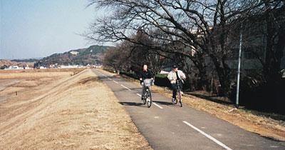 サイクリングロードの写真
