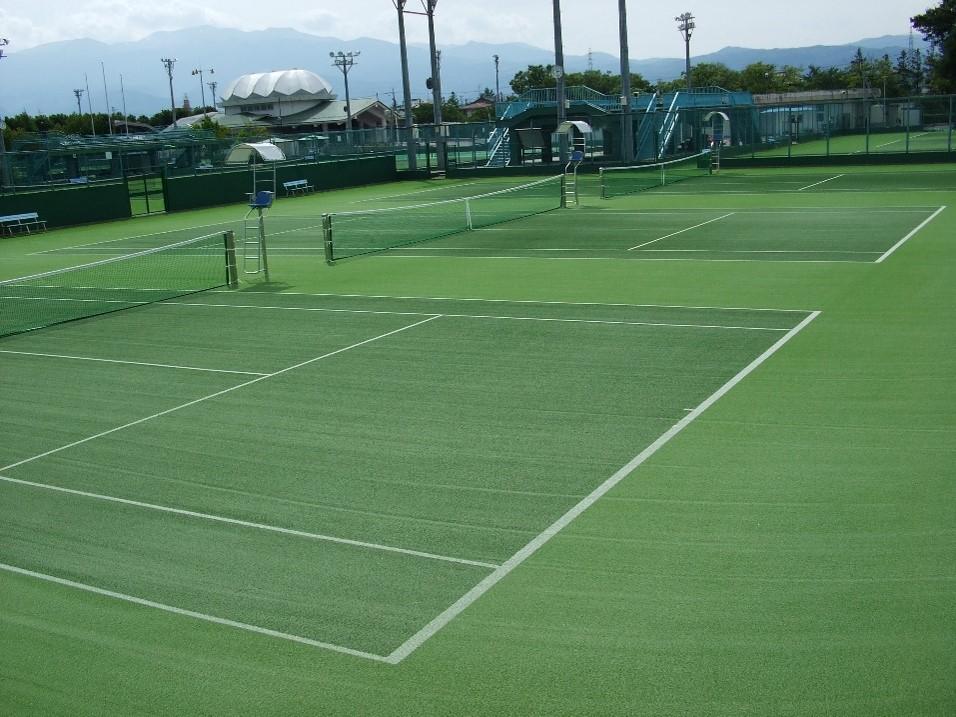 福島市庭球場の写真