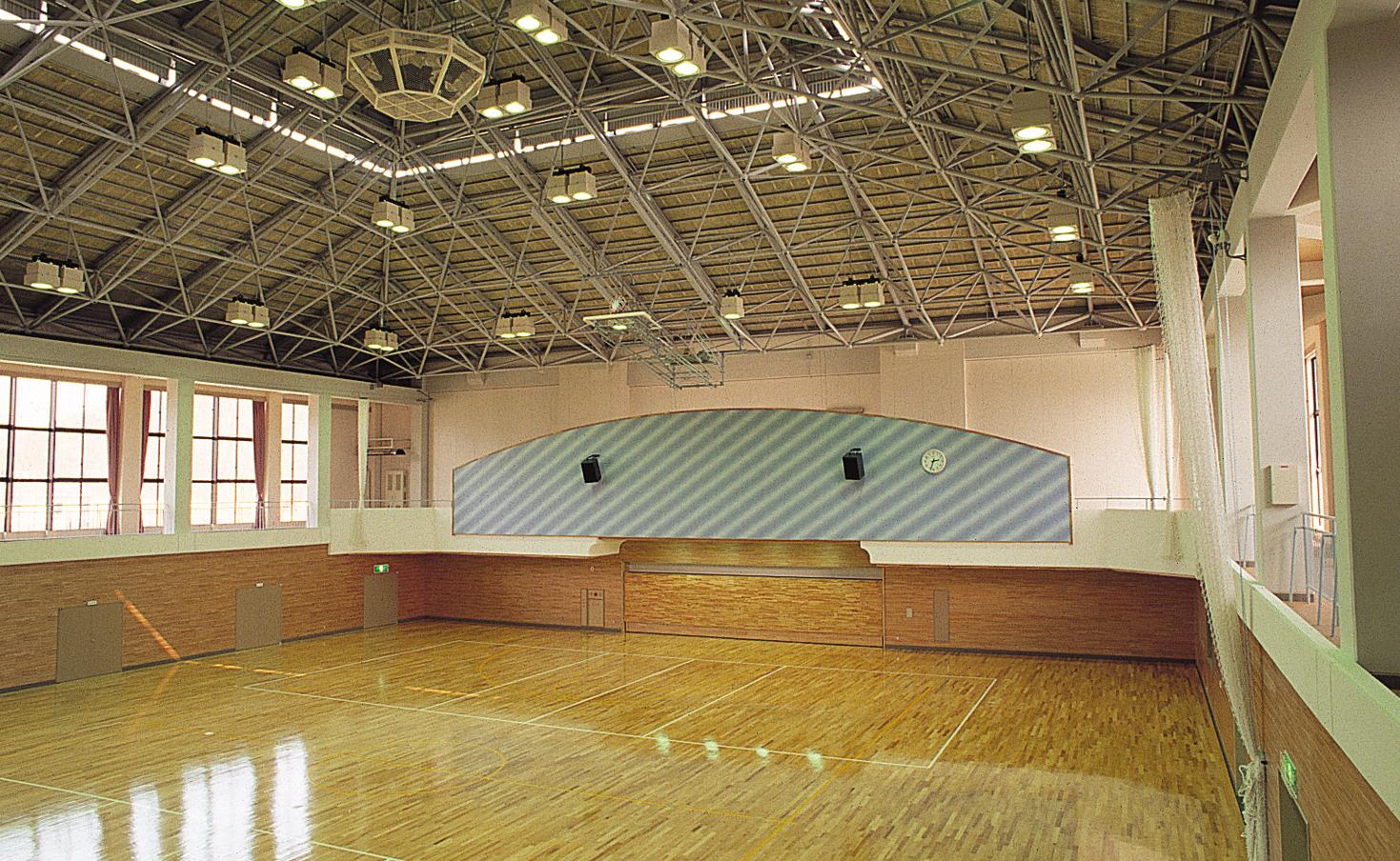 十六沼体育館の写真